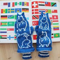 https://laukkumatka.blogspot.com/2019/06/muumilapaset-moomin-mittens.html