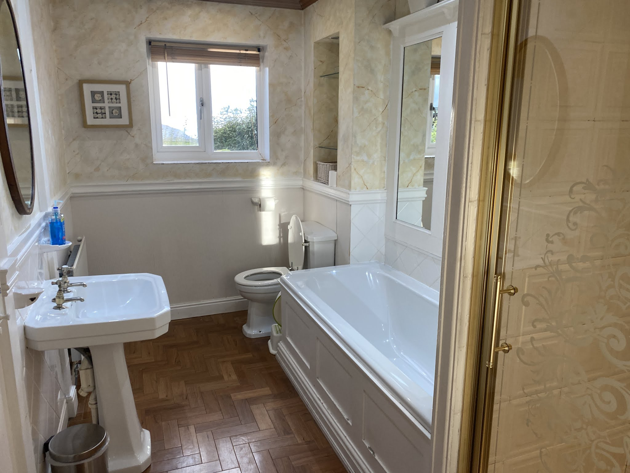 Snowdonia View Farmhouse - bathroom