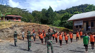 Membentuk Karakter generasi muda Papua sejak dini, Satgas TNI Yonif 756/WMS mengajar di Pedalaman Papua