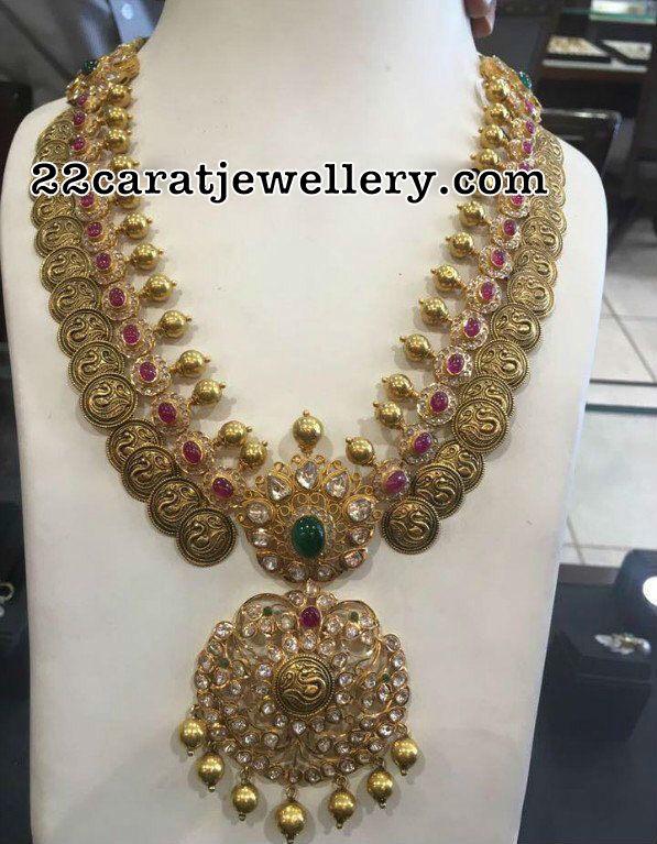 Traditional Look Uncut Diamond Set