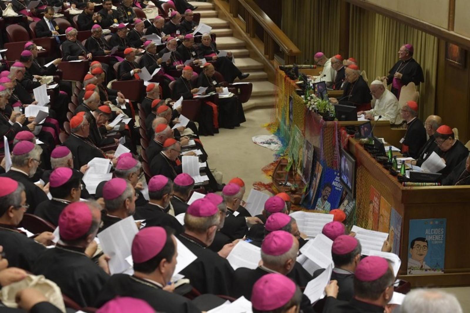Encontro do Papa com bispos no encerramento do Sínodo — Foto: Vaticano/Divulgação