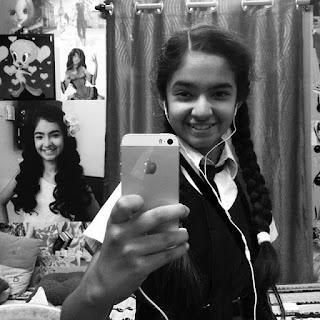 Anushka Sen Selfie