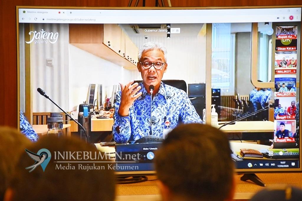 Terkait Penanganan COVID-19, Bupati Kebumen  Video Conference dengan Gubernur Jateng