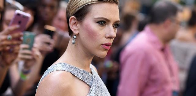 Scarlett johansson en contra de lo correcto en el cine