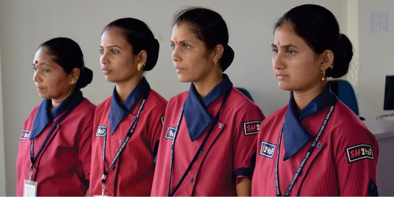 जरूरतमंद महिलाओं को सिक्योरिटी गार्ड बनाकर उन्हे नौकरी दिला रहा है यह खास स्टार्टअप