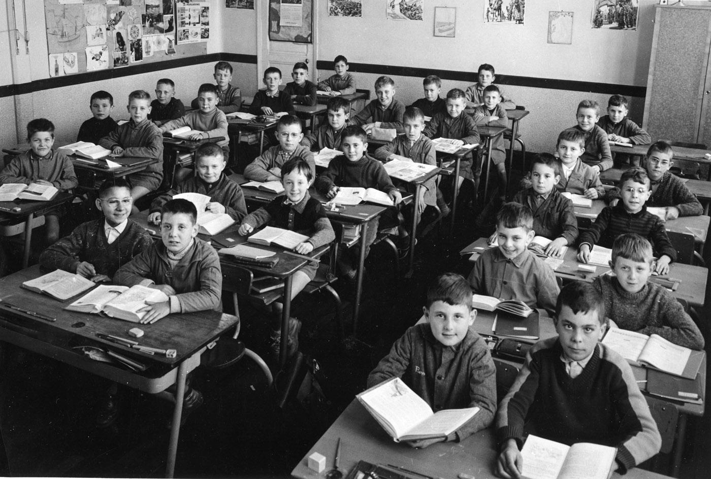 Copains davant Photos de classe souvenirs et retrouvailles