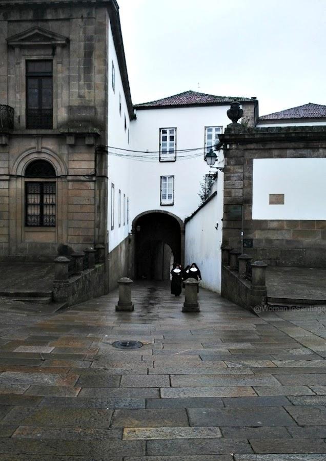 foto del arco de palacio en santiago