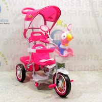 family rio sepeda roda tiga anak