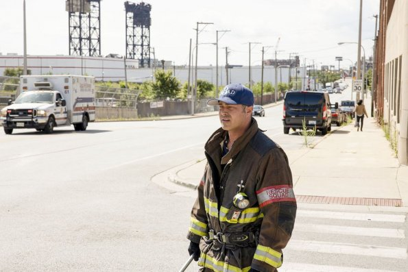 """chicago fire episode 805 buckle up promotional photo 16 595 - Chicago Fire (S08E05) """"Buckle Up"""" Episode Preview"""