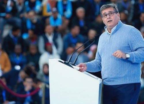 حزب الحمامة يعقد مؤتمرا استثنائيا لتمديد ولاية اخنوش