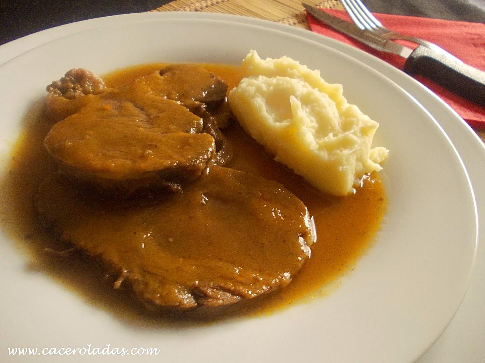 redondo de carne con salsa al horno
