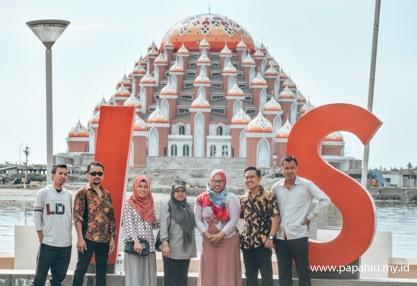 desain-masjid-kubah-99-uniknya-wisata-religi-di-makassar