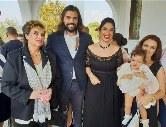 Χαλκιδική: Γέννησε σε Κέντρο Υγείας και ένα χρόνο μετά οι γιατροί βάφτισαν το παιδί της