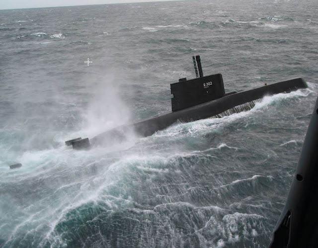 ESS RNoN Utstein participando en el ejercicio militar de la OTAN 'Odín-Uno' en el lejano 2003. Foto - US Navy