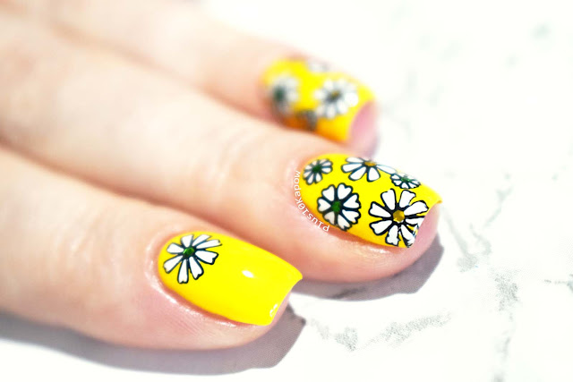 Barry M Gelly Banana Split Swatch and Daisies Nail Art