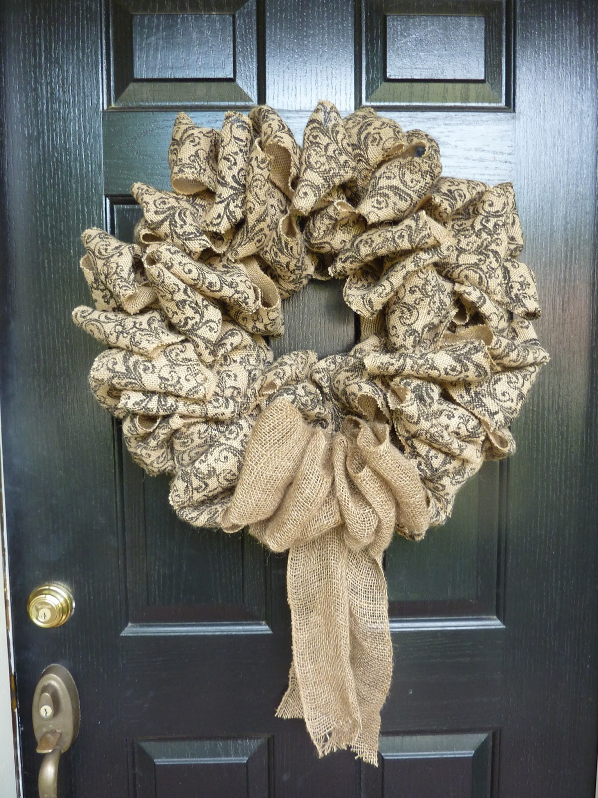 Created twists scroll burlap ribbon wreath for What can i make with burlap