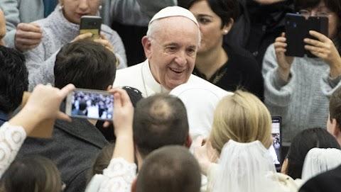 Egész napos műsorfolyammal készül a közmédia a pápalátogatásról