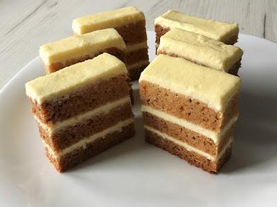 Ciasto z miodem przełożone serem