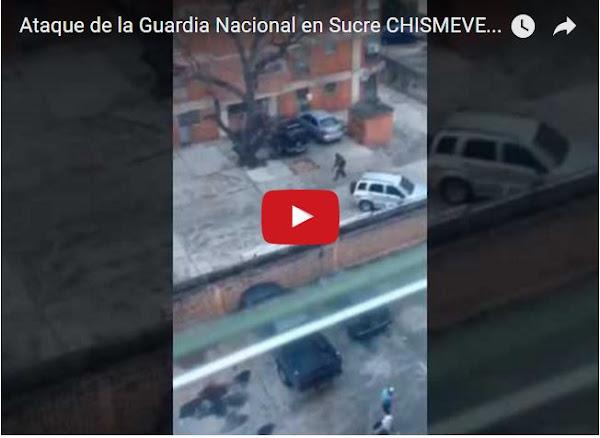 Guardia se lleva a un menor en la Urbanización Sucre