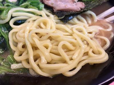 酒井製麺の麺