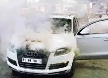 sonu's car has catch fire