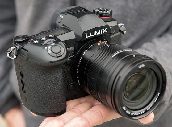 Spesifikasi Detail pada Kamera Panasonic Seri DC G9