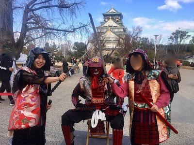 大阪城でサムライ|美人マジシャン!? アリス(有栖川 萌)ブログ|マジックショー,イリュージョン,手妻(和妻,和風手品)の全国出張出演承ります♪