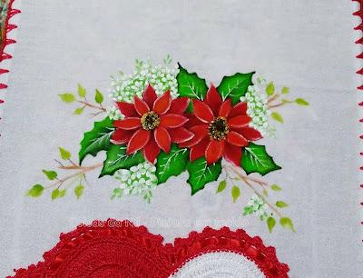 pano de prato com pintura de flor de natal