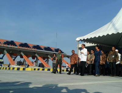 Jokowi Resmikan Pengoperasian Tol Mojokerto-Kertosono