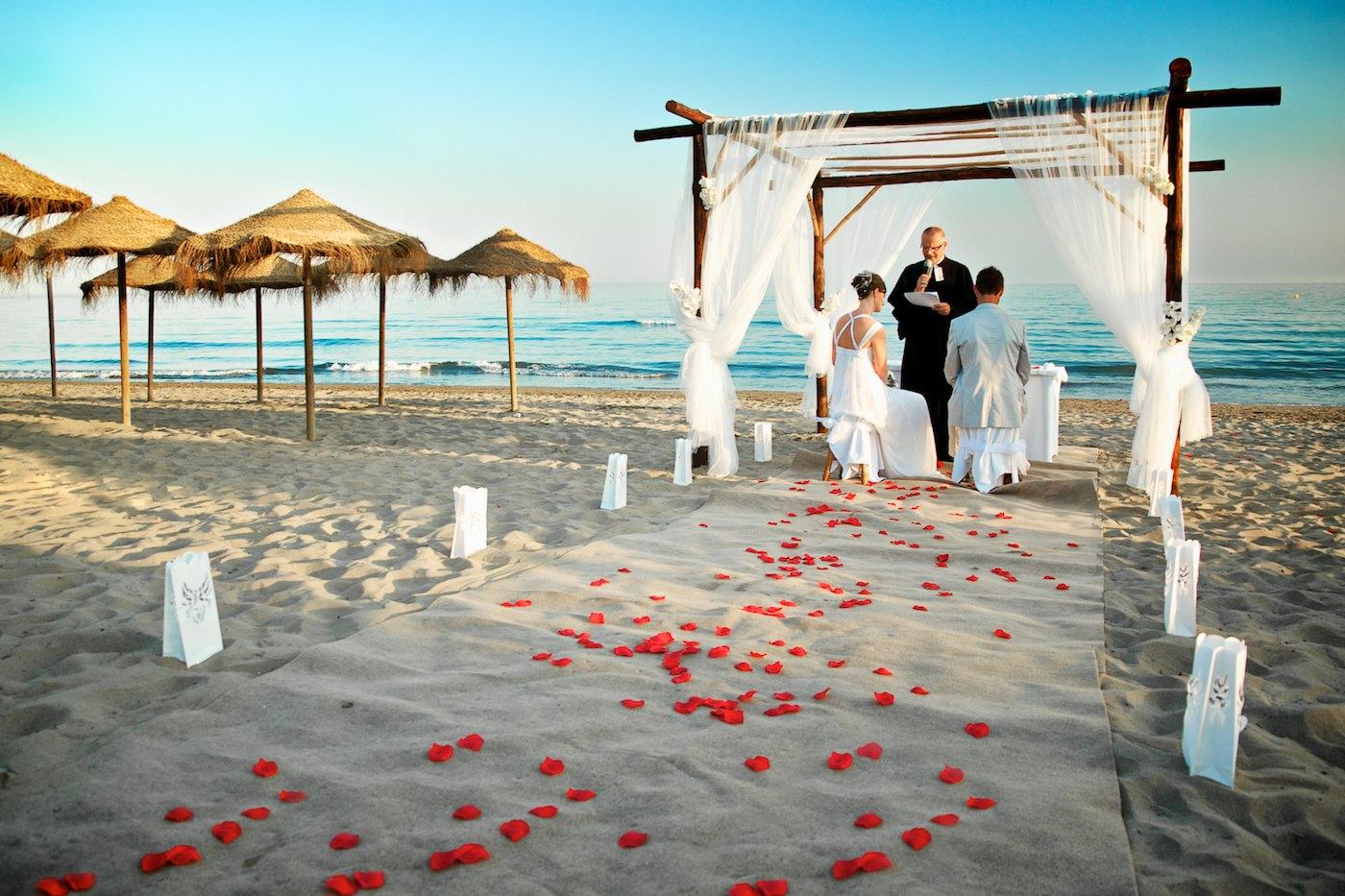 Wedding At The Beach: Wedding Destinations: Beach Weddings