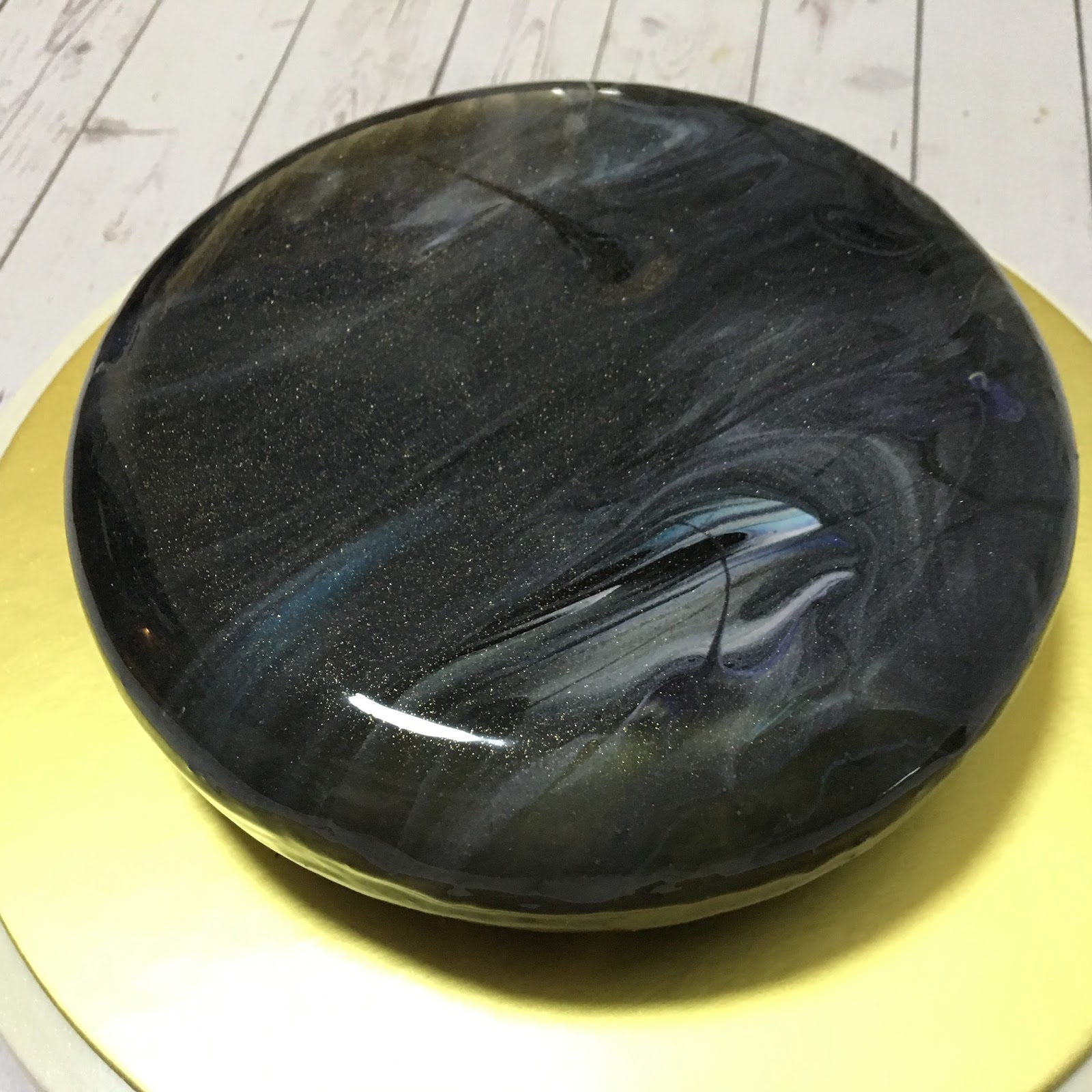 black and gold mirror glaze cake