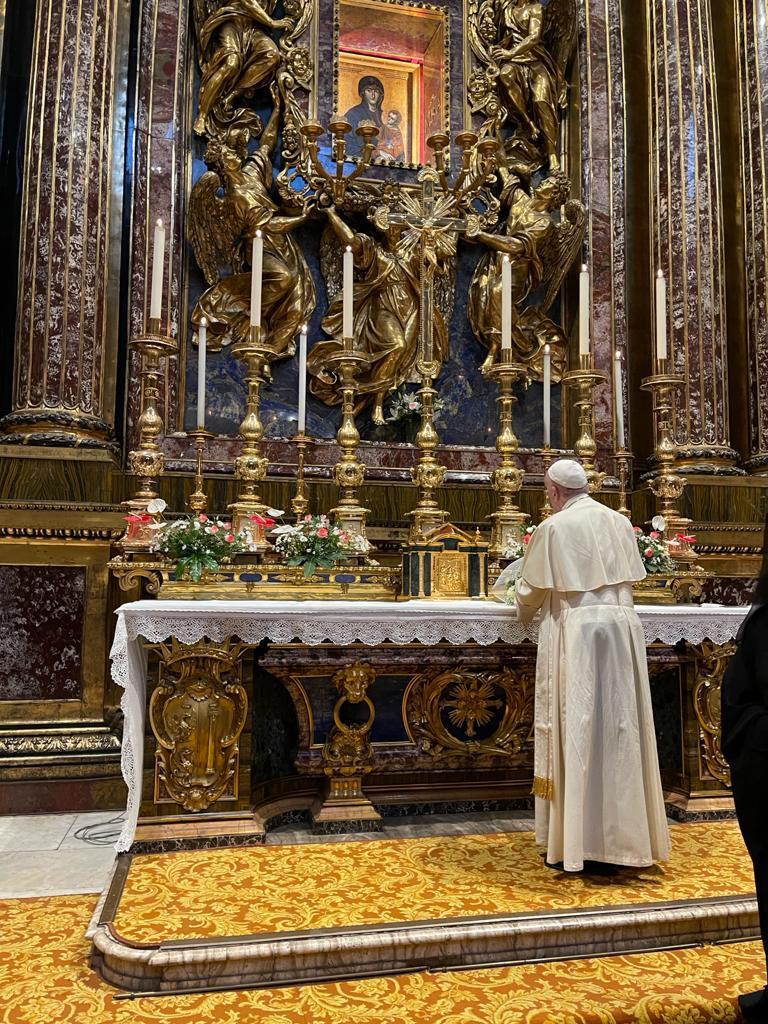 Francisco, ante la Salus Populi romana