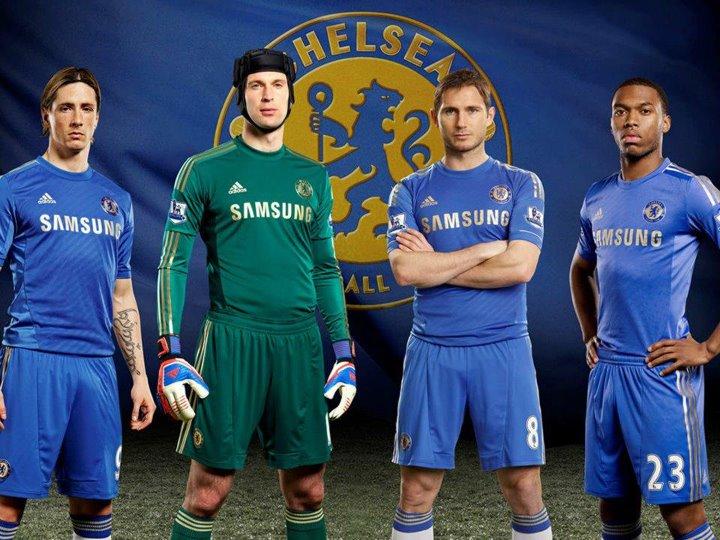 eb4dd92034 Ao ver o novo uniforme me lembrei de uma das camisas mais lindas da  história do Chelsea  Umbro Home 2005 2006