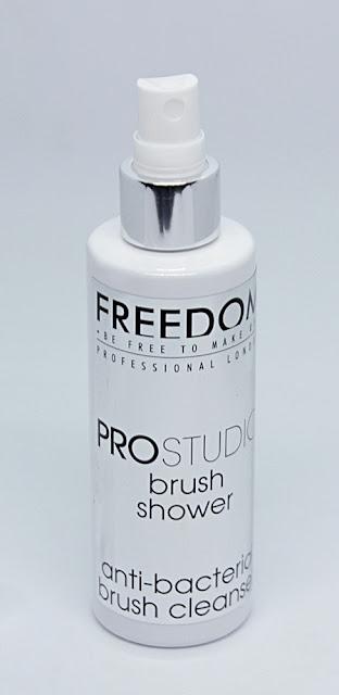 Freedom Pro Studio spray limpiador para brochas