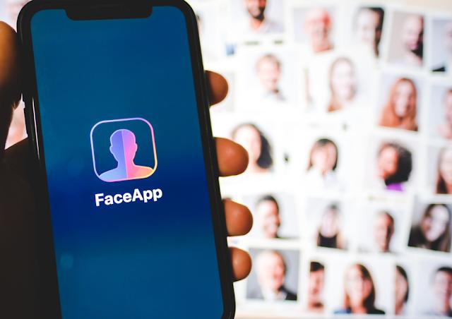 يسمح تطبيق الهاتف المحمول FaceApp بتعديل صور الوجه باستخدام فيلترات. ولكن هل بإمكانه تشكيل أخطار غير متوقعة للمستخدمين.