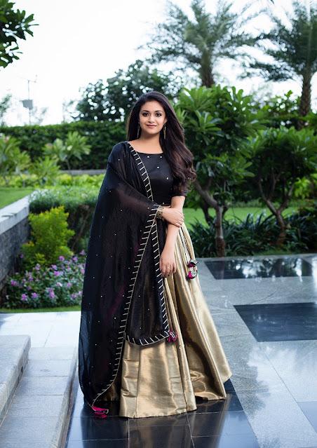 Keerthy Suresh Stunning Beautiful Images Navel Queens