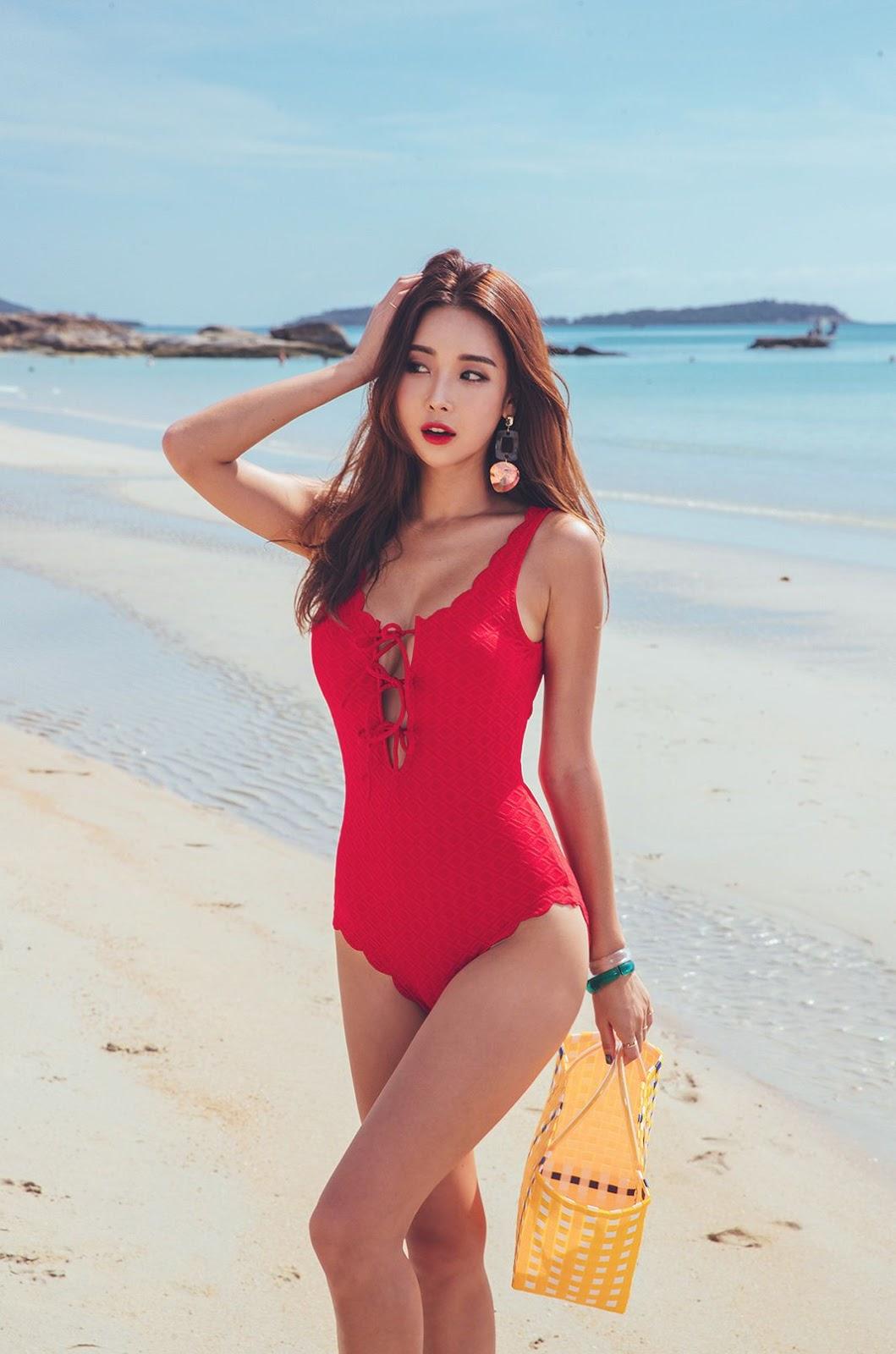 Park Da Hyun - The Red Swimsuit - 191218 - TruePic.net