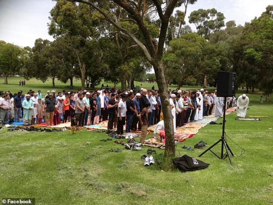 Muslim prayers, Christian prayers, Australia bushfire