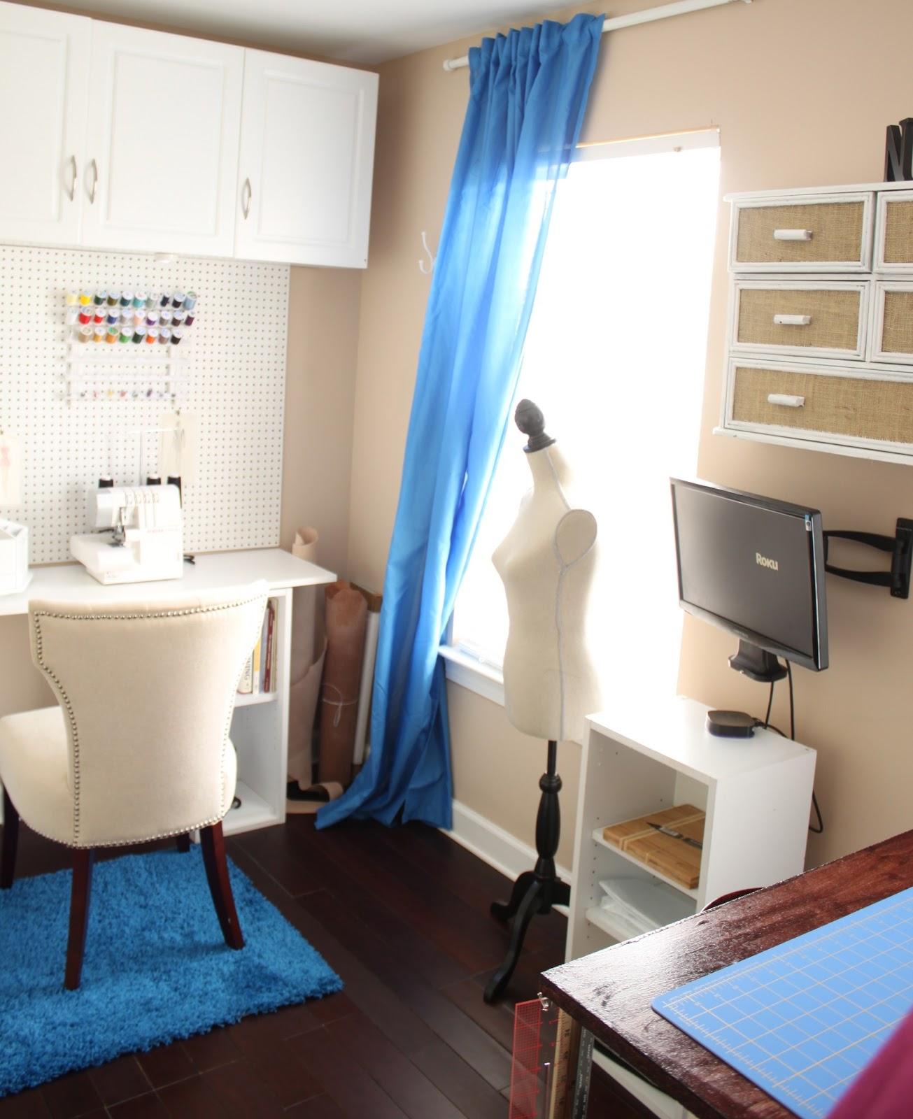 Craft Room Makeover: DIY Craft Room Makeover For Under $500.00
