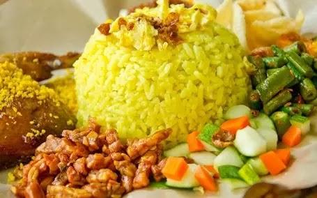 Resep nasi kuning spesial untuk keluarga tercinta
