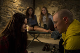 split-anya taylor-joy-jessica sula-haley lu richardson-james mcavoy