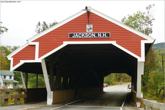 Honeymoon Bridge: Puente Cubierto de Jackson, New Hampshire