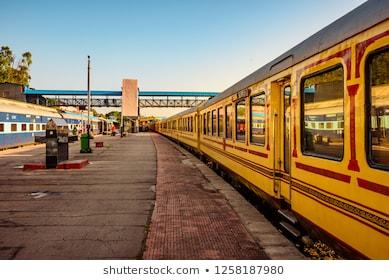 Indi- ke-10-luxurious-trains-bharat-ke-10-shahi-rail
