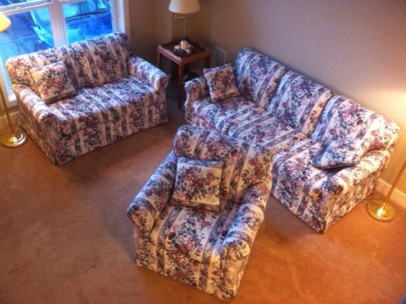 Peachy You Suck At Kijiji Funniest Best Worst And Weirdest Ads Gmtry Best Dining Table And Chair Ideas Images Gmtryco