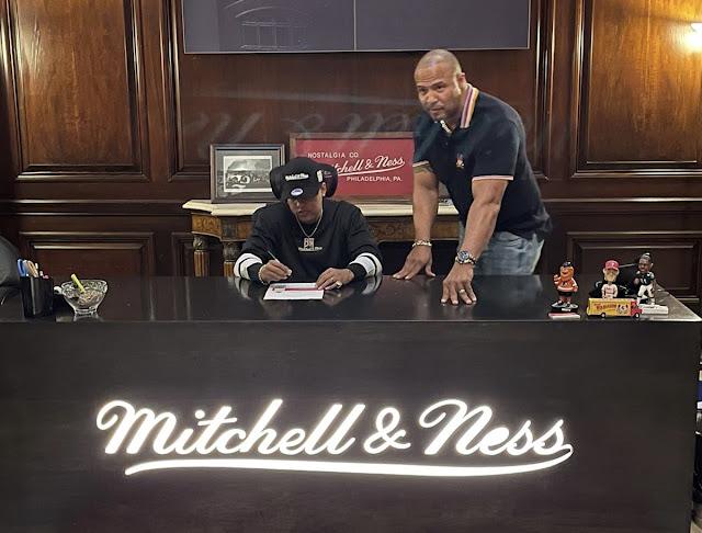 Bulova Family firma millonario contrato con Mitchell & Ness