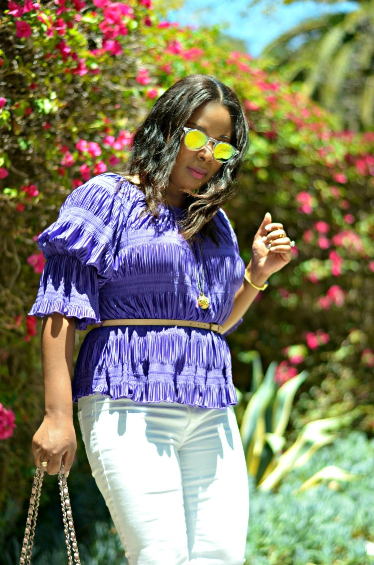 All Ruffled Up in LA - Retro Summer Lifestyle in Los Angeles- American Eagle Skinny Jeans - Retro mirrored Sunglasses