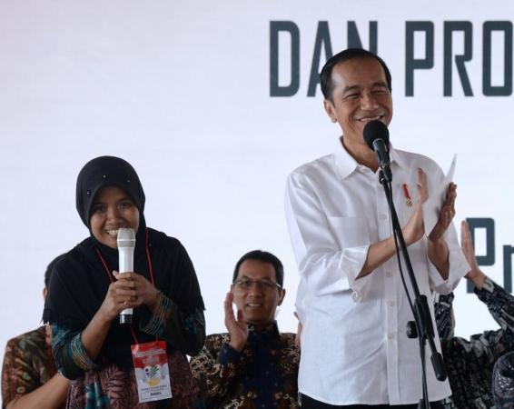 Warga Kabupaten Banjar Dapat Pembagian PKH dan KIP dari Jokowi