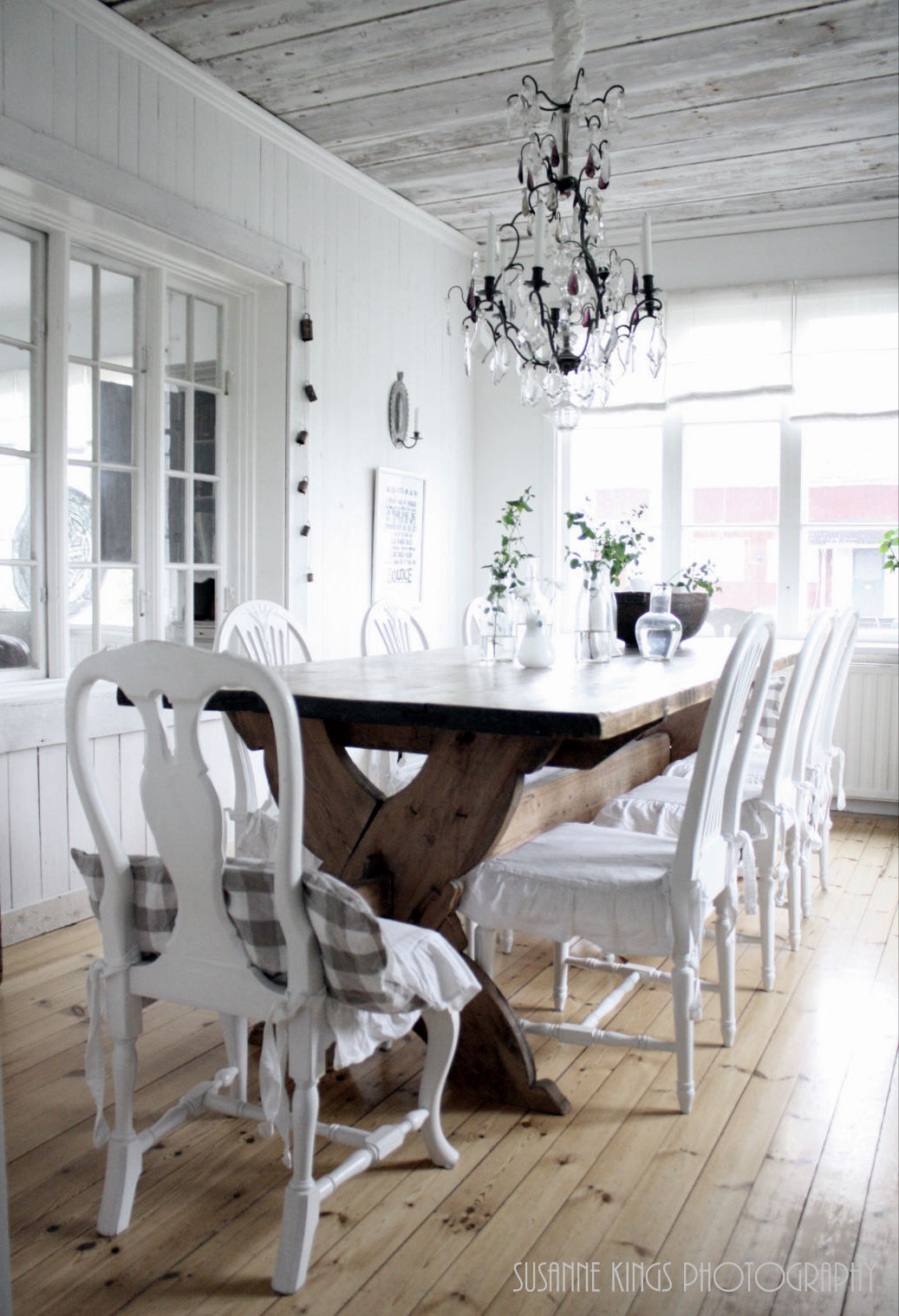 modern chic dining room | Modern Country Style: Is this your veranda?!