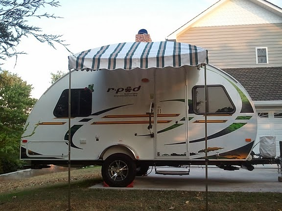 R Pod With A Shock Pole Awning Image Vintage Trailer By Kristi