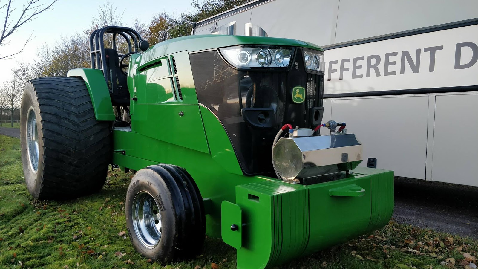 John Deere Super Stock Pulling Tractors : Tractor pulling news pullingworld the new